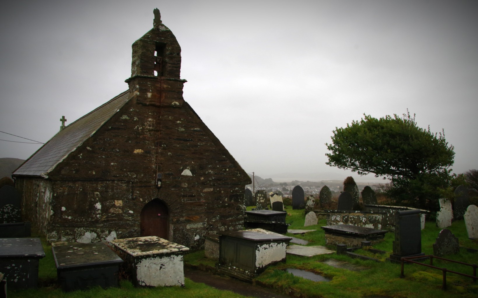 Sant Mihangel Treflys Church