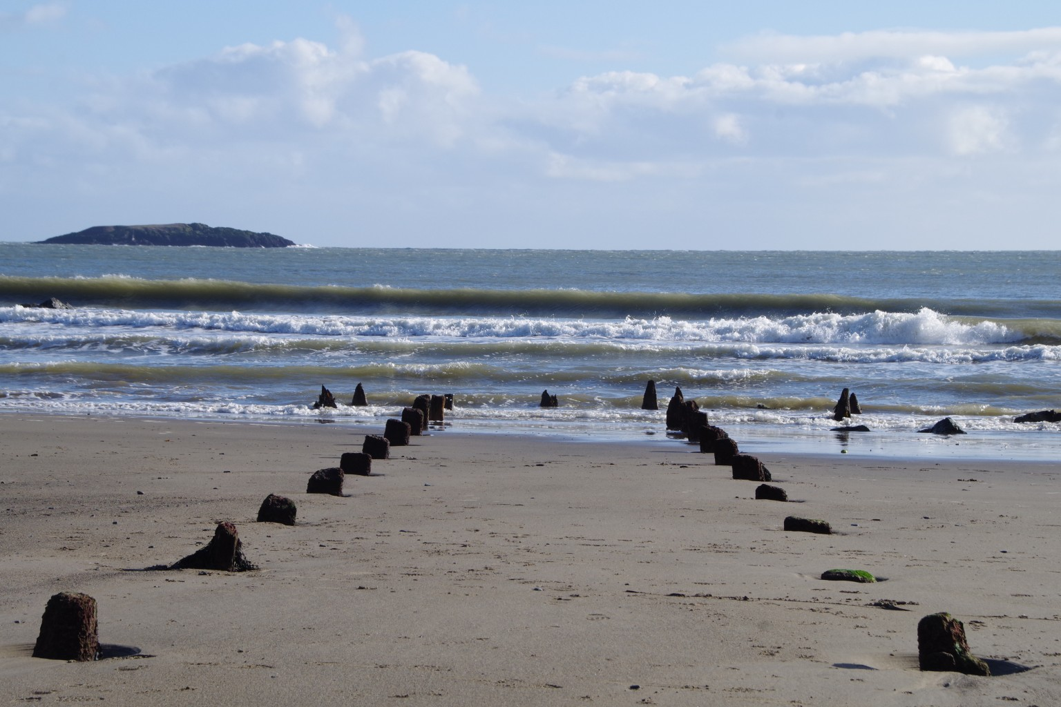 wooden-remains-at-aberdaron-sml