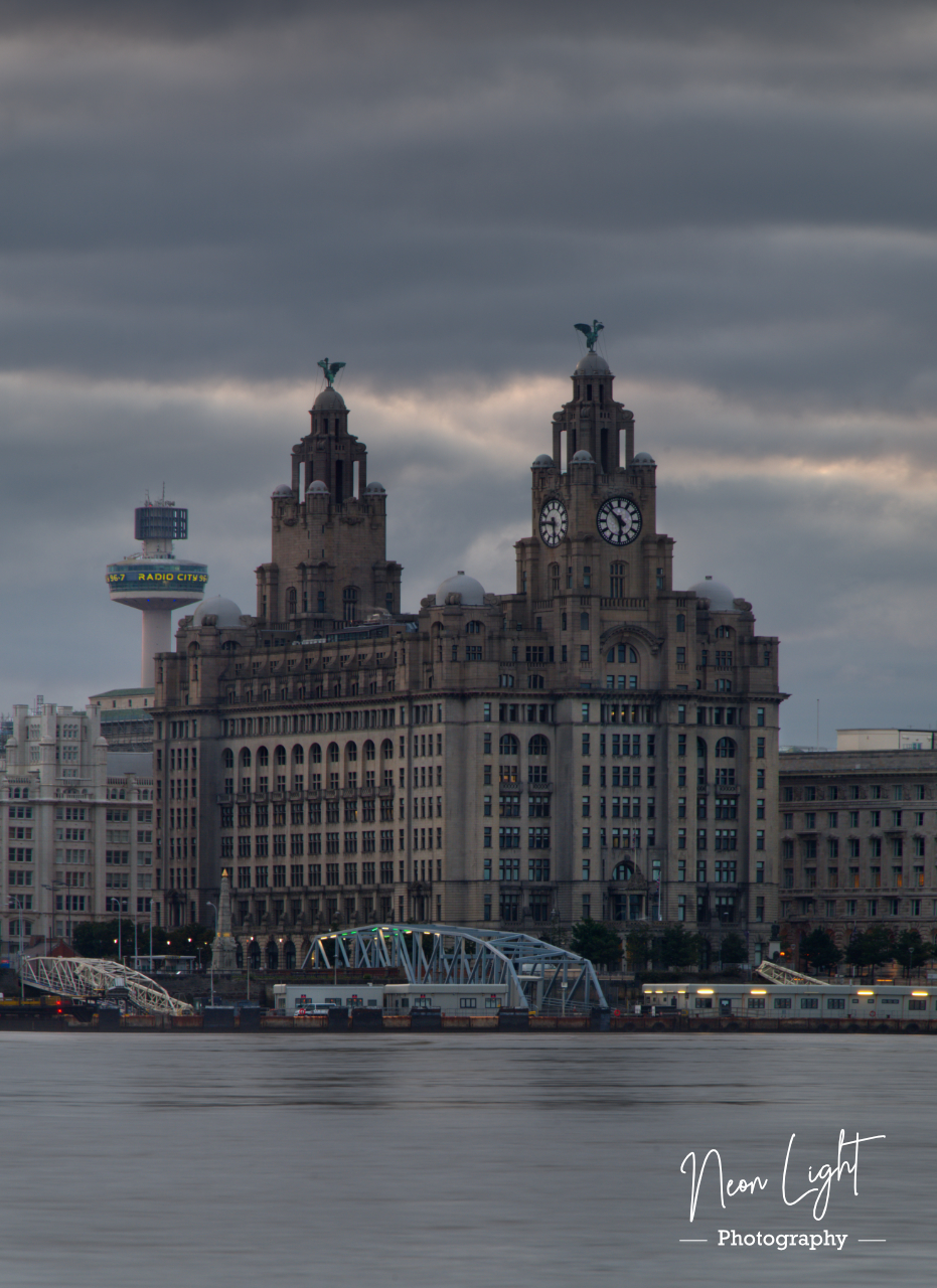 Royal Liverbuildings as the Day Breaks